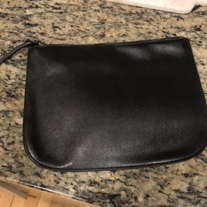 URBAN OUTFITTERS BLACK CLUTCH